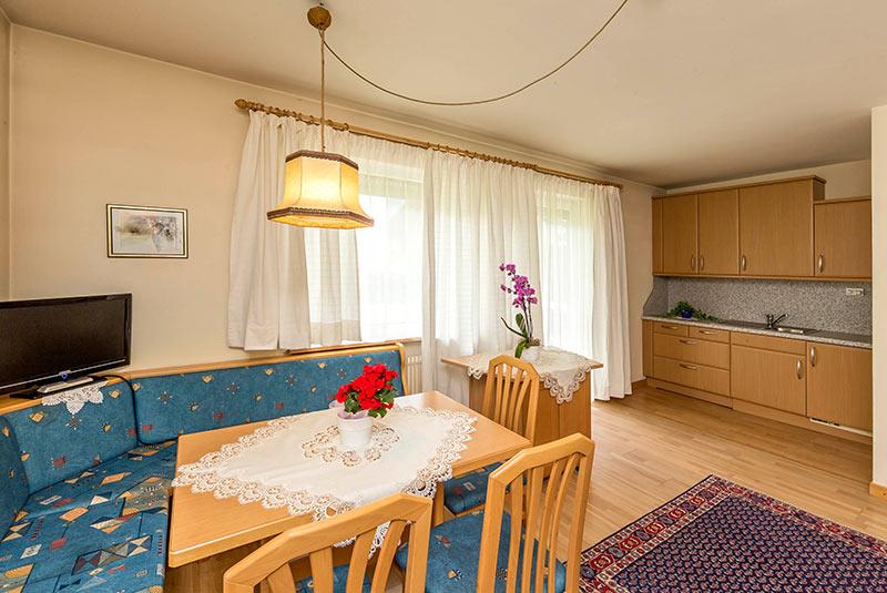 Appartamenti vacanze a dobbiaco hotel tschurtschenthaler - Hotel dobbiaco con piscina ...