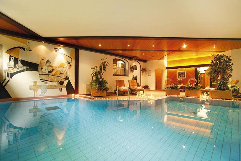 Wellness a dobbiaco hotel benessere hotel - Hotel dobbiaco con piscina ...